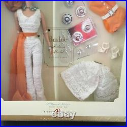 2007 Fashion Model GOLD LABEL SILKSTONE BARBIE Hollywood Hostess K7900