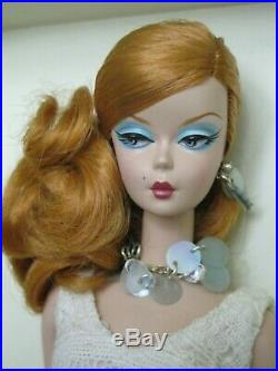 2007 Silkstone Fashion Model Barbie Hollywood Hostess Doll Giftset Gold EUC MIB