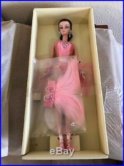 2008 Showgirl Silkstone Brunette Barbie NRFB