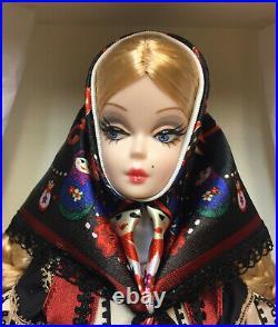 2010 Barbie Silkstone Bfmc Mila Nrfb