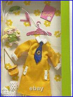 2011 NIGHTY BRIGHTS FRANCIE GIFTSET Silkstone Gold Label Barbie V0457 NRFB
