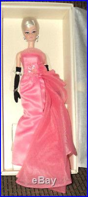 2016 Barbie Silkstone Glam Gown Le 10,000 Nrfb