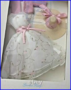 B527 Barbie Silkstone Fashion Model Collection Garden Party NEW