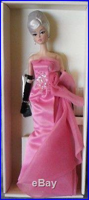 Barbie GLAM GOWN porcelaine silkstone 2016 Mattel DGW58 Poupee doll robe bal NEW