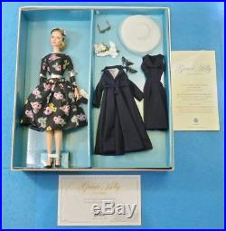 Barbie Grace Kelly The Romance Silkstone Doll Gold Label T7944 Fashion Collector