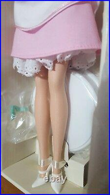 Barbie Silkstone Fashion Model Collection The Waitress Gold Label 2005