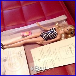 Barbie Silkstone Gold Label Ed. 50th Aniversary Repro Barbie Debut Blonde