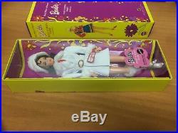 Barbie Twist ´n Turn Waist Red White Warm Silkstone Doll Gold Label Collector
