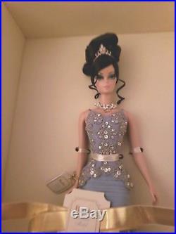 Elegant NRFB The Soiree Blue Gown Barbie Silkstone Fashion Model 2007 Gold Label