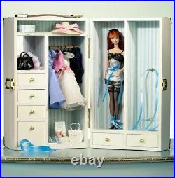 Fashion Model Collection Barbie Doll Wardrobe Carrying Case 2002 Mattel B1328