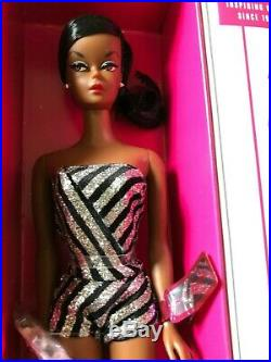GORGEOUS GLITTER SPARKLES AA SILKSTONE BARBIE BRAND NEWithNRFB