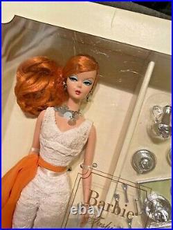 Hollywood Hostess Silkstone Barbie Doll Giftset Gold Label Mattel Redhead New