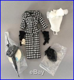 Just Out of Box BFMC Walking Suit Silkstone Barbie Fashion MINT Still In Cello