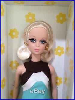Kitty Corner Francie Gold label Silkstone BARBIE Doll Gift Set Robert Best NIB