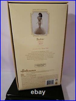 Lavender Luxe Silkstone Barbie Doll 2015 Gold Label Mattel Cgt28 Nrfb