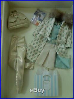 Mattel Barbie Silkstone Continental Holiday Gift set Fashion Model Collection