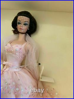 MattelSilkstone Barbie Fashion Model Collection 2000 In the pink Gold label