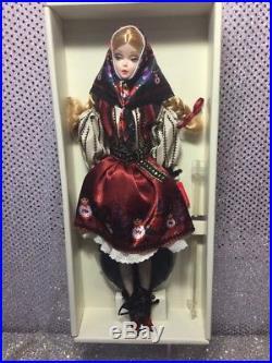 Mila Silkstone Barbie Doll 2010 Gold Label T7672 Mint Nrfb