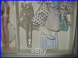 NRFB 2001 Silkstone Fashion Model Barbie Gift Set Continental Holiday