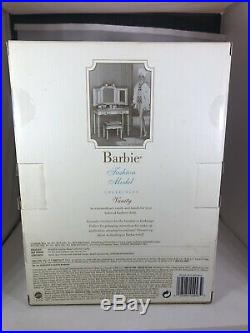 NRFB- SILKSTONE VANITY & BENCH With ACCESSORIES FOR BARBIE DOLL 2004 B3436 SEALED