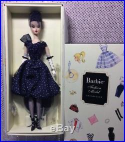 Parisienne Pretty Silkstone Barbie Doll 2009 Gold Label Mattel N6594 Nrfb
