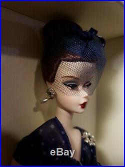 Parisienne Pretty Silkstone Barbie Doll 2009 Gold Label Mattel #n6594 Mint Nrfb