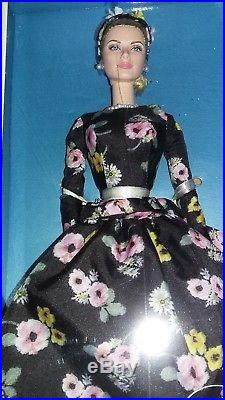 RARE SILKSTONE BARBIE DOLL GRACE KELLY DOLL Gold Label L. E 4300 ONLY NEW