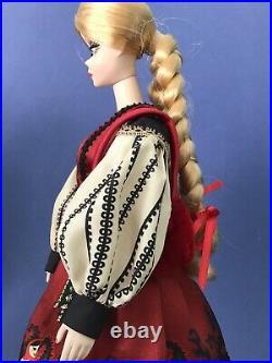 Rare! Silkstone Barbie MILA Russian Collection Gold Label 2010