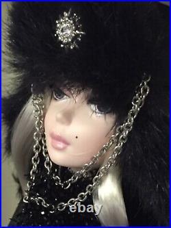 Rare Verushka Silkstone Barbie Doll 2010 Gold Label Mattel T7674 Pristine