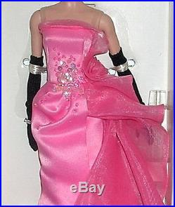 SALE! Barbie GLAM GOWN Doll EXCLUSIVE Gold Label POSABLE SILKSTONE Body