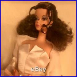 SILKSTONE Barbie LADY OF THE MANOR Gold Label RARE 2006 #J0959 NRFB