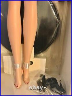 Silkstone Barbie SUITE RETREAT 2004 Gold Label #G8078 NRFB