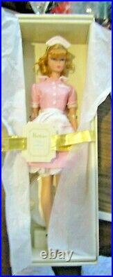 Silkstone Barbie The Waitress Nrfb