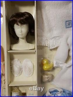 Spa Getaway Silkstone Barbie Doll Giftset 2003 Mattel #b1319 Nrfb