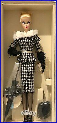 Walking Suit Barbie Fashion Model Collection Gold Label W3424 Silkstone